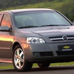 Chevrolet Astra 2005 Front Angle Wallpaper