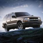 Chevrolet Blazer 2001 Front Angle Wallpaper